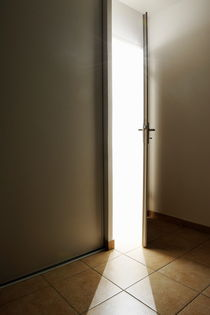 Doorway left ajar von Sami Sarkis Photography