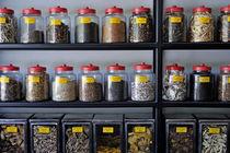 Medicinal herbs in jars von Sami Sarkis Photography