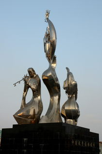 Rf-datong-metallic-reflection-statues-chn0512