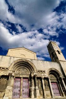 Facade of the Saint-Gilles abbey von Sami Sarkis Photography
