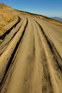 Rf-alpujarra-dirt-road-mountain-tussock-winding-adl0767