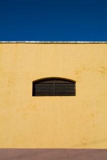 Yellow wall in Trinidad von Sami Sarkis Photography