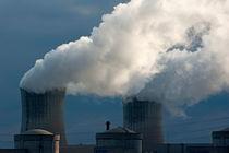 Rf-drome-emitting-nuclear-smoke-smokestacks-idy129