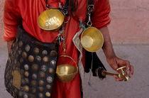 Rf-bag-faucet-leather-market-marrakech-vendor-var008
