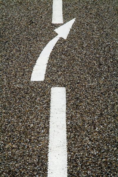 Rf-arrow-sign-dividing-line-road-marking-lan0692