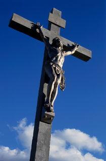 Statue of Jesus Christ on the cross von Sami Sarkis Photography