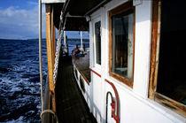 Gangway of a cruising sailboat von Sami Sarkis Photography