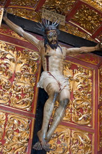 Statue of the crucifixion inside the Catedral de Cordoba von Sami Sarkis Photography