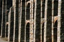 Rf-arch-miraculous-aqueduct-ruins-stonewall-mon053