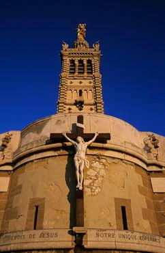 Rf-architecture-basilica-france-jesus-statue-mon064