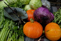 Colorful fresh vegetables and a weight scale at a street market von Sami Sarkis Photography