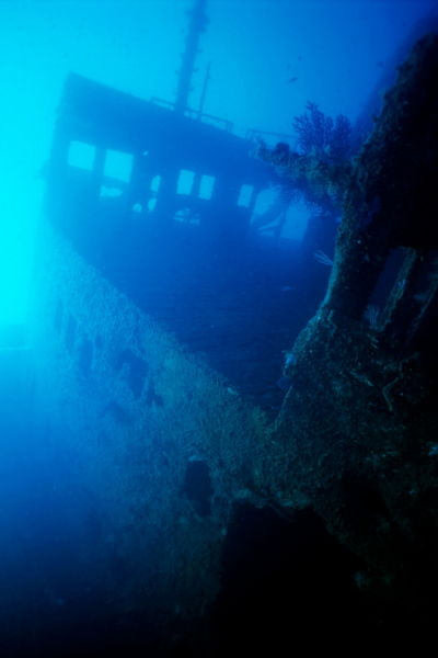 Rm-damage-decay-marseille-sea-shipwreck-underwater-uw282
