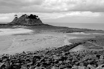 Rm-beach-brittany-building-low-tide-rocks-sea-brt0285