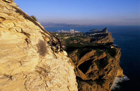 Rm-cap-canaille-cliffs-rocks-scenic-sunset-pro049