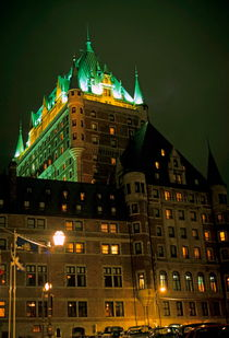 Château Frontenac at night von Sami Sarkis Photography