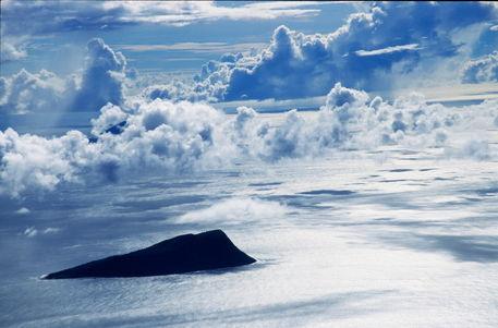 Rm-clouds-makura-island-sea-vanuatu-vt290
