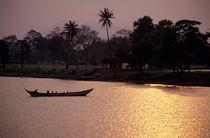 Rm-boat-perfume-river-silhouette-sunset-vietnam-lds209