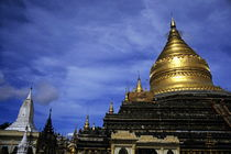 Gilded stupa of the Shwezigon Pagoda by Sami Sarkis Photography