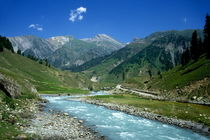 Rf-flowing-kashmir-mountains-river-valley-cor116