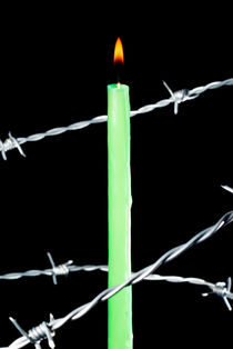 Rm-barbed-wire-candle-flame-glowing-protection-cpt0039