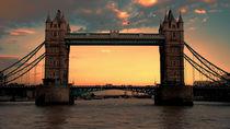 tower bridge sunset by deanmessengerphotography