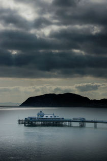 Llandudno Pier & the Little Orme by Graeme Pettit
