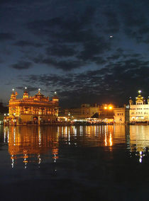 Golden Temple at Night by serenityphotography