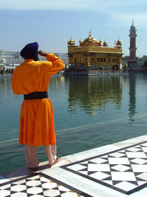 Golden Temple Guard by serenityphotography