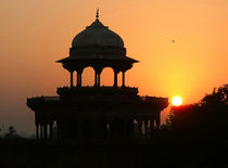 Sunrise-at-the-taj-mahal