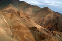 Descending from Khardung La by serenityphotography
