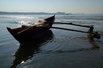 Fishing-boat-loaded-with-nets-palolem