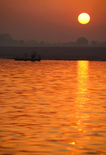 Sunrise on the Ganges von serenityphotography