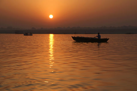 Sunrise-on-the-ganges-24