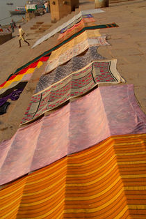 Saris Drying on the Steps von serenityphotography