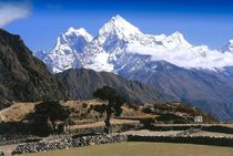 Nepal - Khumbu Himal, Blick von Thame auf Kangtega und Thamserku von Karel Plechac