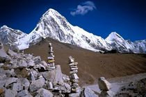 Nepal - Khumbu Himal, Steinmänner am Pumori 7142m von Karel Plechac