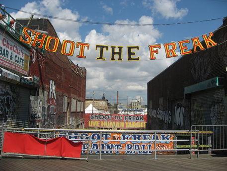 Shoot-the-freak-3