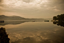 Misty Morning Reflections On Ullswater von Derek Beattie