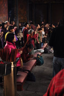 people pray von huiwen chen