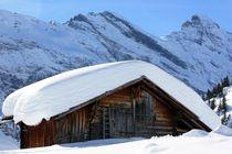 verschneite Hütte by Bettina Schnittert