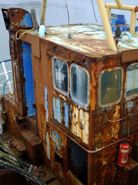 2011-03080148-rusty-old-lady