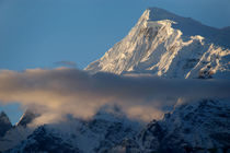 Cloud-and-mountains-way-to-thorung-phedi