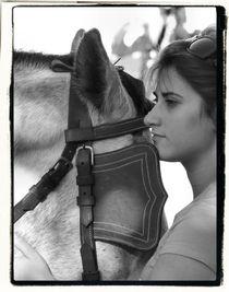 Girl with Horse von Brian Grady