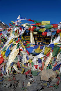 Prayer Flags top of Thorung La by serenityphotography