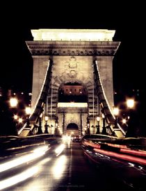 Chainbrigde at night, Budapest von Ines Schäfer