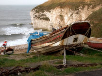 Boats at Thornwick Bay von Sarah Couzens