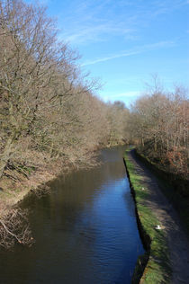 Huddersfield Narrow Canal, Linthwaite by Paul Oakes