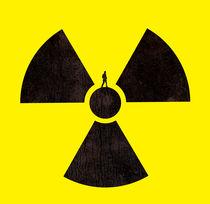 A man standing on a radioactive symbol von Sofia Wrangsjö