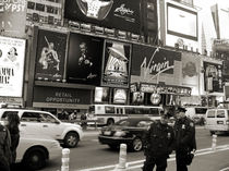 Two cops on Broadway von RicardMN Photography