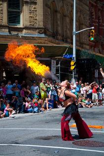 Firespitter girl von Alberto Vaccari